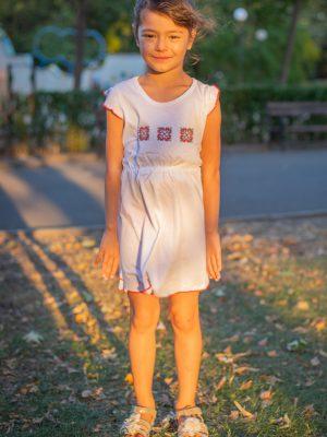 детска-рокля-с-бродерия